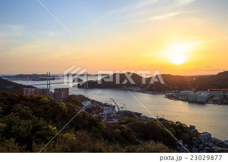 長崎港の夕陽 23029877