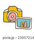 カメラ 写真 白バックのイラスト 23057214