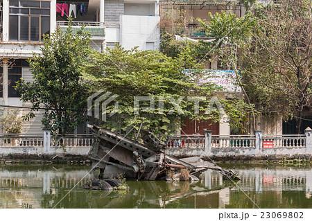 ベトナム戦争時にハノイ上空で撃墜されたアメリカ空軍のB52爆撃機の残骸 23069802