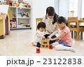 子供 遊ぶ おもちゃの写真 23122838