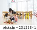 子供 遊ぶ おもちゃの写真 23122841