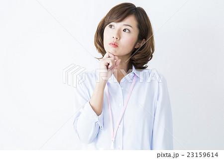 若い女性 23159614