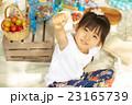 ピクニックを楽しむ子供 23165739