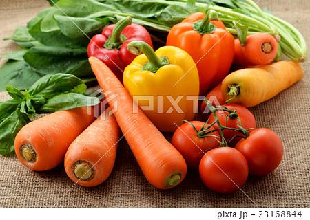 緑黄色野菜 23168844
