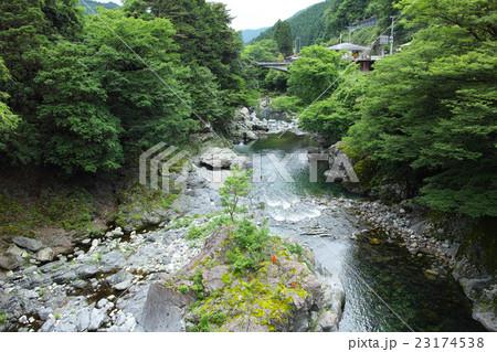 奈良・天川村 天ノ川 23174538