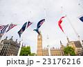 ビッグベンと国旗 23176216