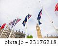 ビッグベンと国旗 23176218