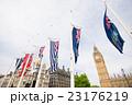 ビッグベンと国旗 23176219