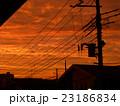 夕焼け空と、電柱電線のシルエット 23186834