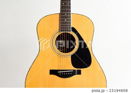 アコースティックギター (フォークギター) 23194608
