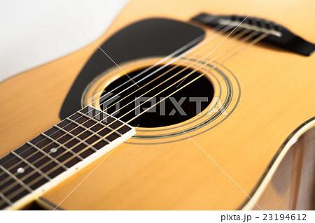 ギター (アコースティックギター), 音楽 23194612