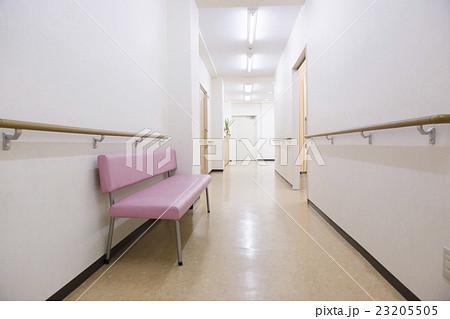 病院 医療 廊下 通路 バリアフリー 手すり 手摺  23205505