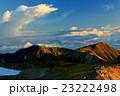 白馬岳付近から見る朝の雪倉岳・朝日岳方面の眺め 23222498