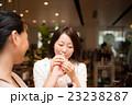 女性 2人 ショッピング 撮影協力:TENOHA DAIKANYAMA 23238287