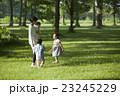 親子 遊ぶ 公園の写真 23245229