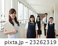 中学生 先生 廊下の写真 23262319