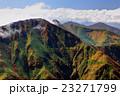 一ノ倉岳から見る雲懸る上越国境の山並み 23271799