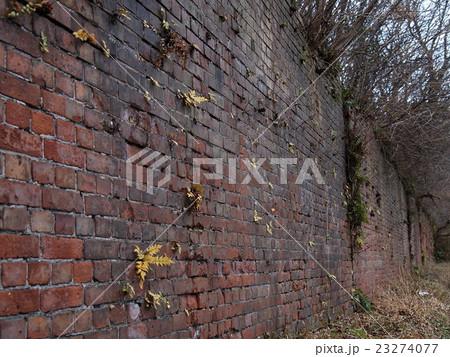 古びたレンガ壁 23274077
