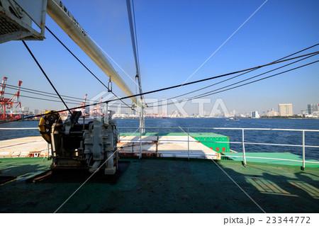 おがさわら丸、貨物甲板 23344772