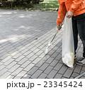 ゴミ拾い 23345424