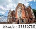 ロンドン市内 赤レンガの歴史的建物 23350735