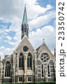 ロンドン郊外の石造りの大聖堂 23350742