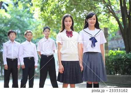 中学生男女 23353162