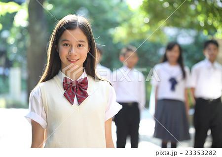 かわいい中学生女子 23353282
