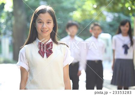 かわいい中学生女子 23353283