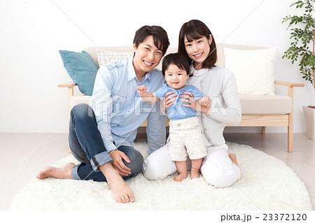 家族3人ポートレート 23372120