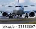 空港 旅行 旅客機  誘導路の飛行機 23386897