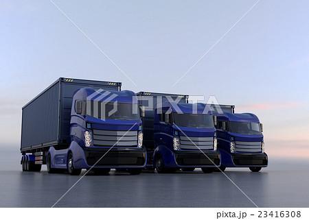 横一列に並んでいる青色のハイブリッドトラック 23416308