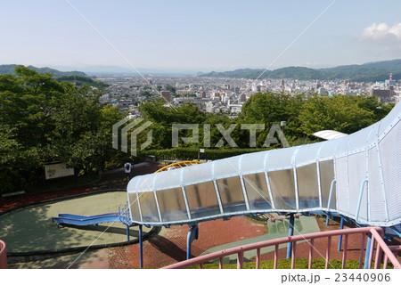 松山総合公園ちびっこ広場から見た松山市の街並み 23440906