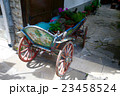 Old wagon with flowers 23458524