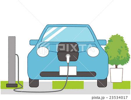 充電中の電気自動車(人物なし、背景あり) 23534017