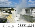 イグアスの滝 世界自然遺産 世界三大瀑布の写真 23551884
