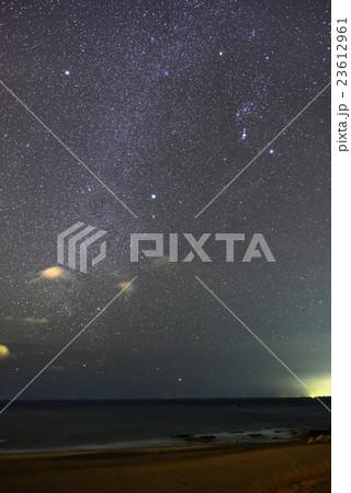 伊良湖岬から見た冬の天の川 23612961