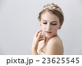 ウエディング 花嫁 ティアラの写真 23625545