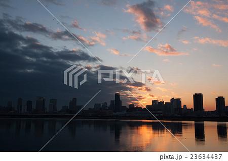 大阪の日の出 23634437