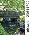 浅草寺の影向堂の庭園にある石橋(東京都台東区) 23644709