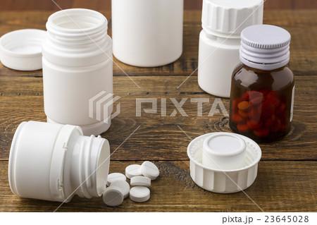 Various medical apothecary pill bottlesの写真素材 [23645028] - PIXTA