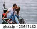 ボート カップル 二人の写真 23645182
