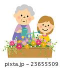 花に水やりするシニアと孫 23655509