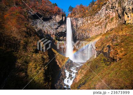 華厳の滝 23673999