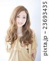 ヘアスタイル 女性 若いの写真 23693435