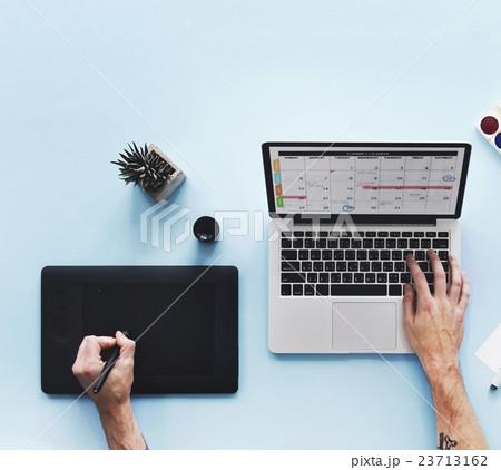 Computer Laptop Calendar Schedule Desk Conceptの写真素材 [23713162] - PIXTA