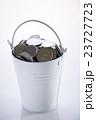 バケツ一杯の硬貨 23727723
