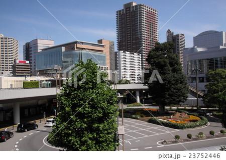 川口駅西口ロータリー 23752446
