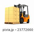 荷物を運ぶフォークリフト 23772660