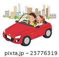 ドライブ カップル オープンカーのイラスト 23776319